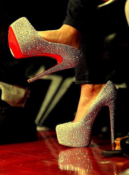 visoke potpetice... - Page 5 Beyonce-louboutin-heels-all-star-game