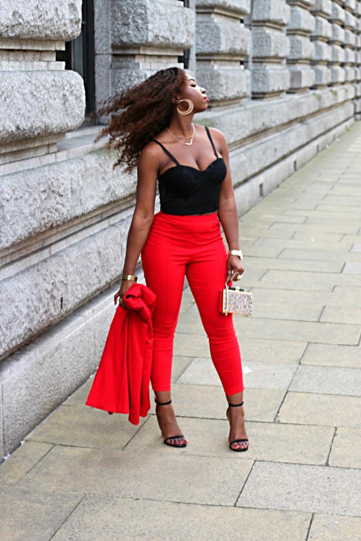 redd flip hair pose