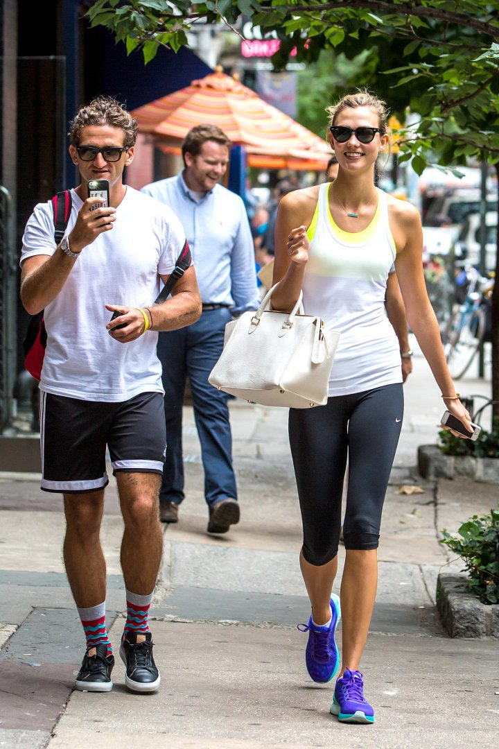 Karlie-Kloss-all-smiles-post-workout-NYC