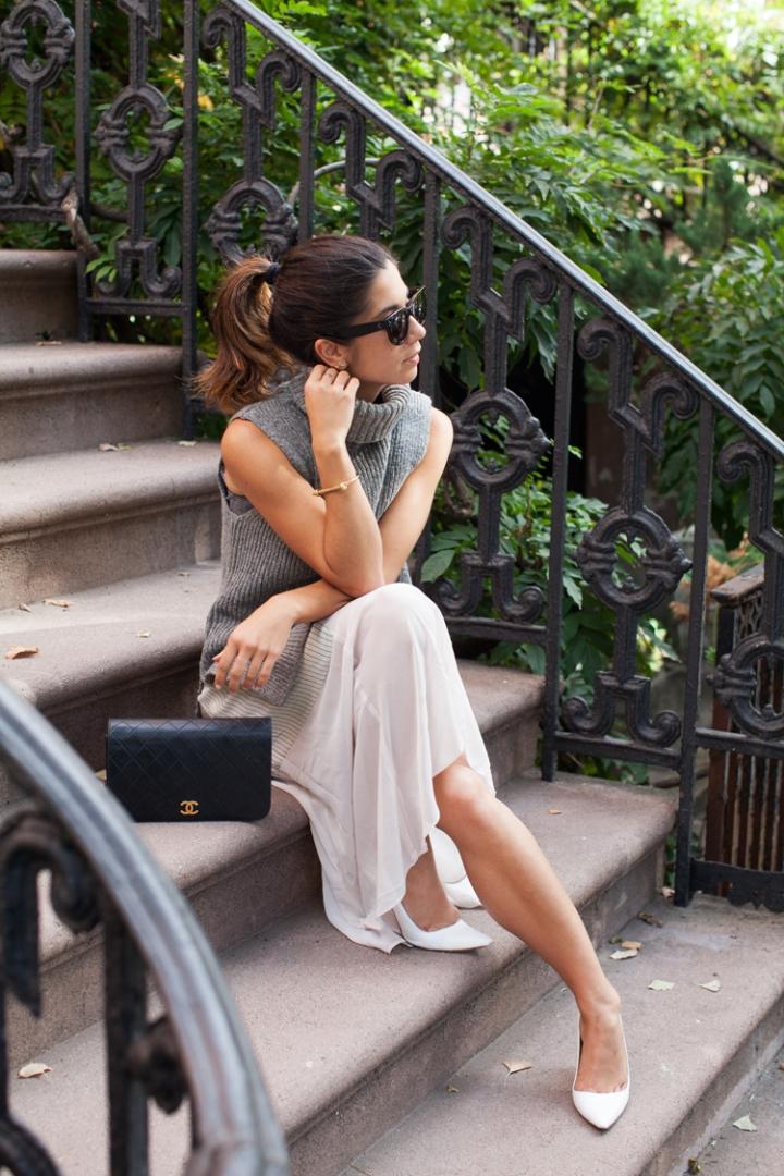 sleeveless-turtleneck-outfits-3
